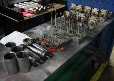 Pneumatic, Hydraulic and Custom Cylinder Competitive Replacements